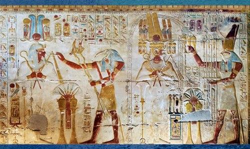 D'après les dieux Thot et Horus, et pharaon, temple de Séthi I, relief peint, XIXe dynastie, Abydos, Nouvel Empire, Égypte Ancienne. (Marsailly/Blogostelle)