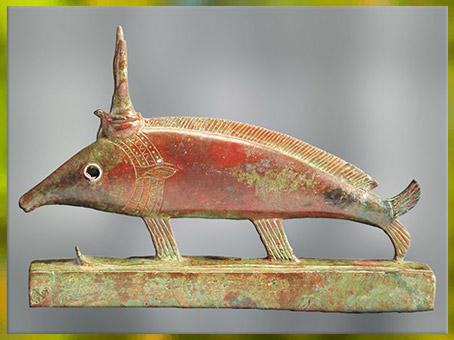 D'après un oxyrhynque, poisson du Nil, objet votif, bronze, Basse Époque-époque Ptolémaïque, Égypte ancienne. (Marsailly/Blogostelle)