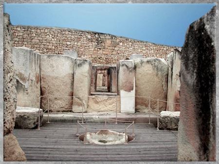 DD'après les sanctuaires de Tarxien, mégalithes, Hal Saflieni, IVe- IIIe millénaire avjc, Malte, néolithique. (Marsailly/Blogostelle)