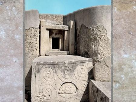 D'après un autel en pierre, à motifs de spirales, temples de Tarxien, mégalithes, Hal Saflieni, IVe- IIIe millénaire avjc, Malte, néolithique. (Marsailly/Blogostelle)