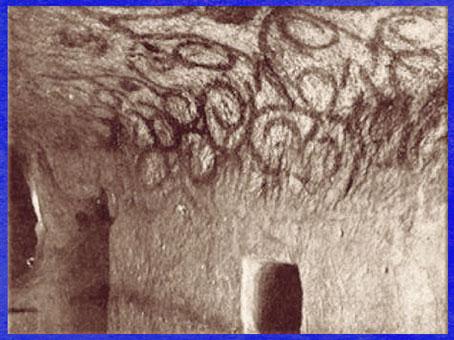 D'après l'hypogée de Hal Saflieni, peintures pariétales, IVe -IIIe millénaire avjc, Malte, néolithique. (Marsailly/Blogostelle)