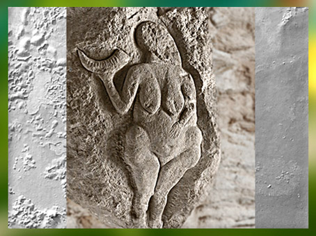 D'après la Vénus de Laussel, avec corne de bison, vers 25 000 avjc, Dordogne, France, paléolithique. (Marsailly/ Blogostelle)