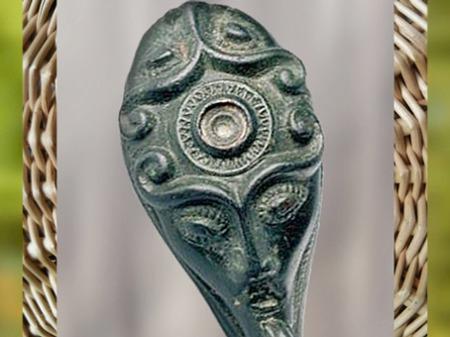 D'après le monde mythique celtique, sommaire, histoire du Sacré. (Marsailly/Blogostelle)
