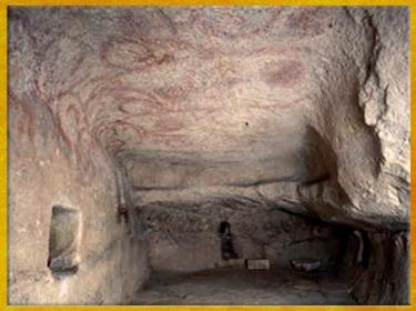 D'après une paroi peinte, chambre dite des oracles, hypogée de Hal Saflieni, IVe - IIIe millénaire avjc, Malte, néolithique. (Marsailly/Blogostelle)