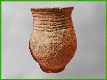 D'après une céramique cordée, impression de cordelettes sur argile crue avant cuisson, 2500-1800 avjc, chalcolithique-âge du Bronze. (Marsailly/Blogostelle)
