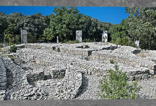 D'après les vestiges du village de Cambous, Viols-le-Fort, Hérault, culture de Fontbouisse, IIIe millénaire avjc, âge du cuivre. (Marsailly/Blogostelle)